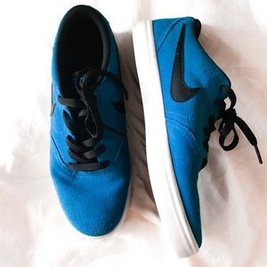 Nike SB bold blue black suede solar soft sneakers